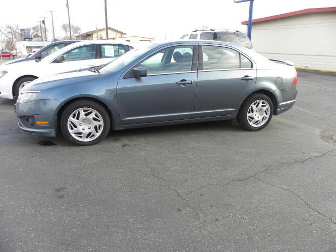 2011 blue /blue Ford Fusion I4 SE (3FAHP0HA8BR) with an 2.5L L4 DOHC 16V engine, automatic transmission, located at 607 W Columbia Drive, Kennewick, WA, 99336, (509) 582-8818, 46.216743, -119.126404 - Photo #0