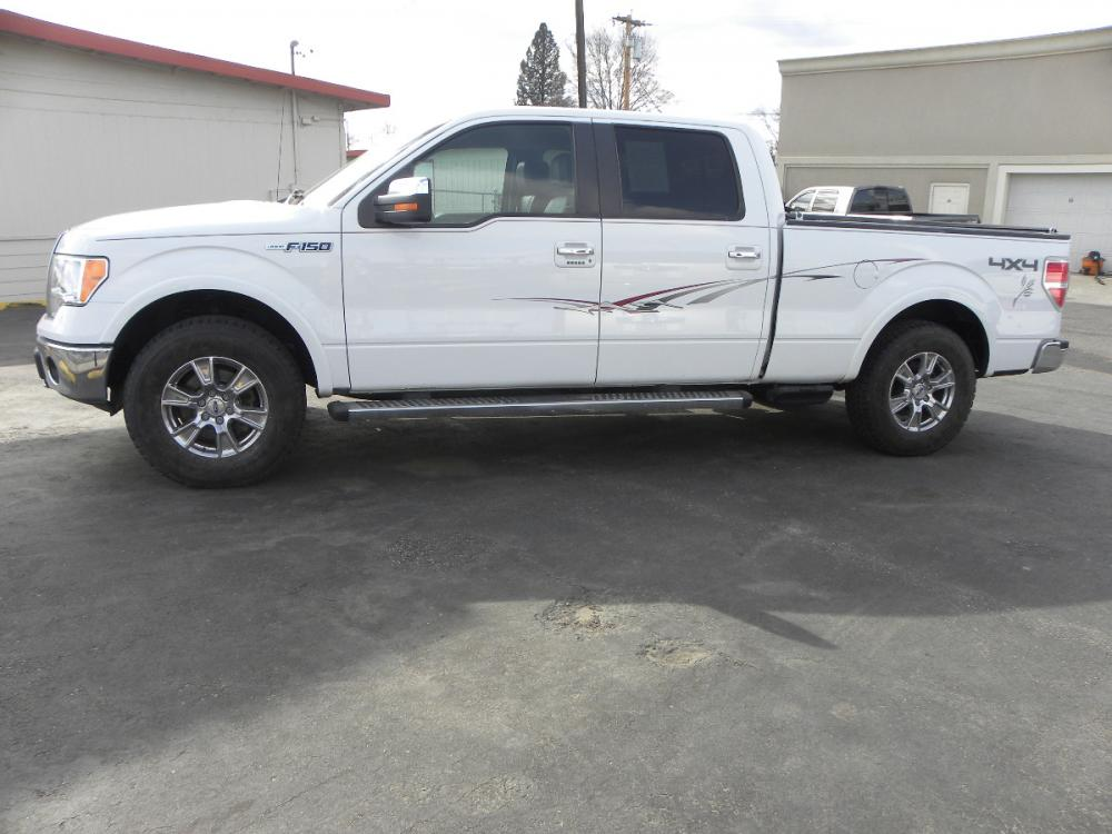 2010 WHITE /black Ford F-150 Lariat SuperCrew 5.5-ft. Bed 4WD (1FTFW1EV8AF) with an 5.4L V8 SOHC 24V FFV engine, 4-Speed Automatic transmission, located at 607 W Columbia Drive, Kennewick, WA, 99336, (509) 582-8818, 46.216743, -119.126404 - Photo #0