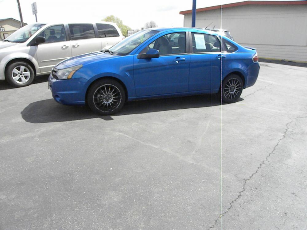 2011 blue /BLACK Ford Focus SES Sedan (1FAHP3GN3BW) with an 2.0L L4 engine, AUTOMATIC transmission, located at 607 W Columbia Drive, Kennewick, WA, 99336, (509) 582-8818, 46.216743, -119.126404 - Photo #0